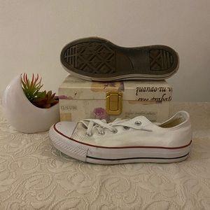 Converse Canvas Shoe
